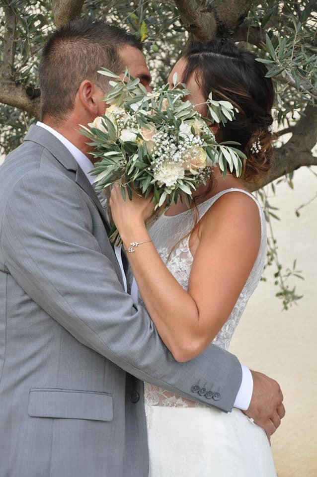 bisous des mariés à la bonne franquette