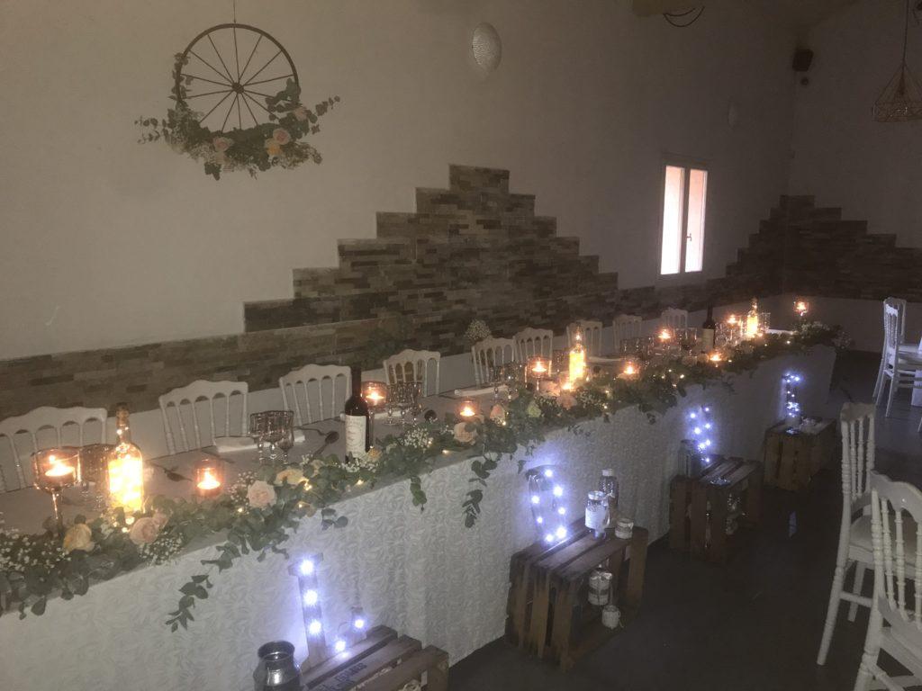décoration de la table d'honneur chic et champêtre du mariage de Marine et Denys