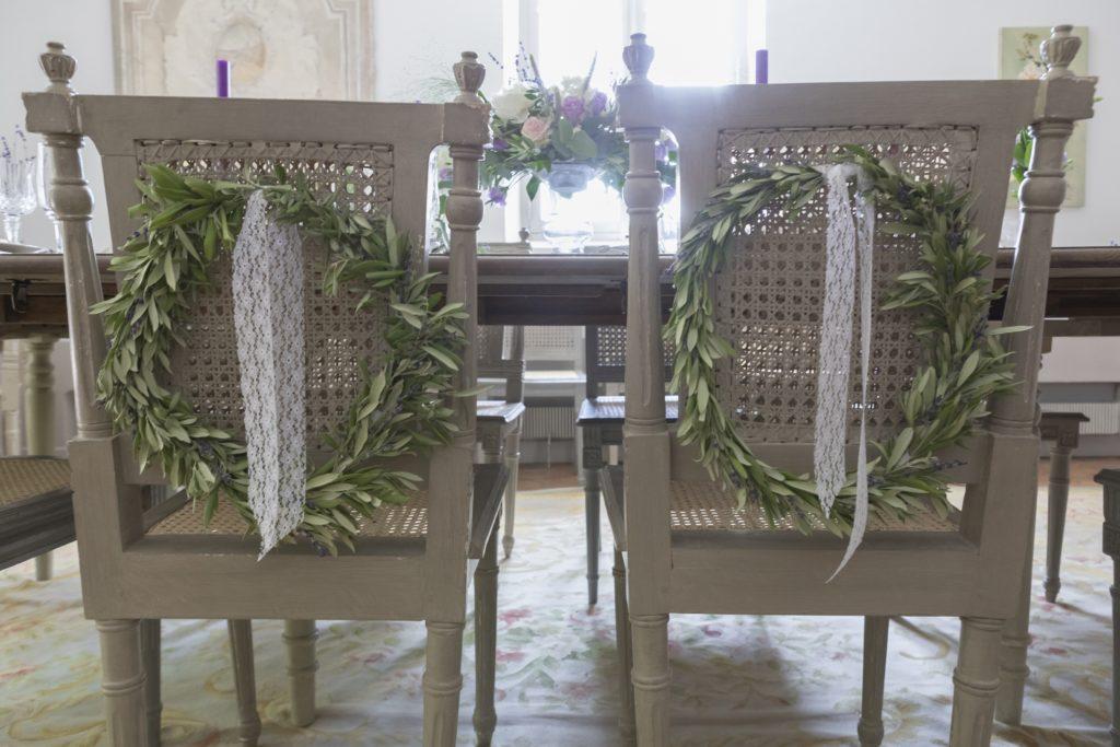 Décoration provençale chaises des mariés
