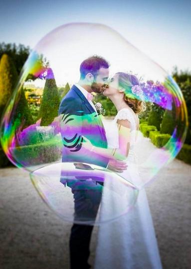 """<a href=""""https://www.danielpelcat.fr"""">  <img src=""""Capture-d'écran-2020-04-01-à-21.47.30-2.png"""" alt=""""photographe de mariage dans le Style Fearless de Daniel Pelcat""""> </a>"""