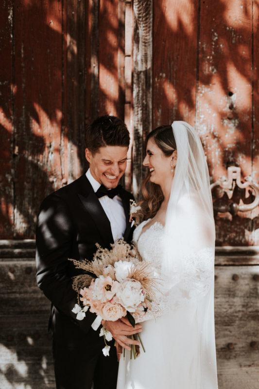 "<a href=""https://pinewoodweddings.com"">  <img src=""English-wedding-in-Provence_Laura-and-Darren_00123-533x800-1.jpg"" alt=""photographe de mariage dans le Style Moody de Pinewood """"> </a>"