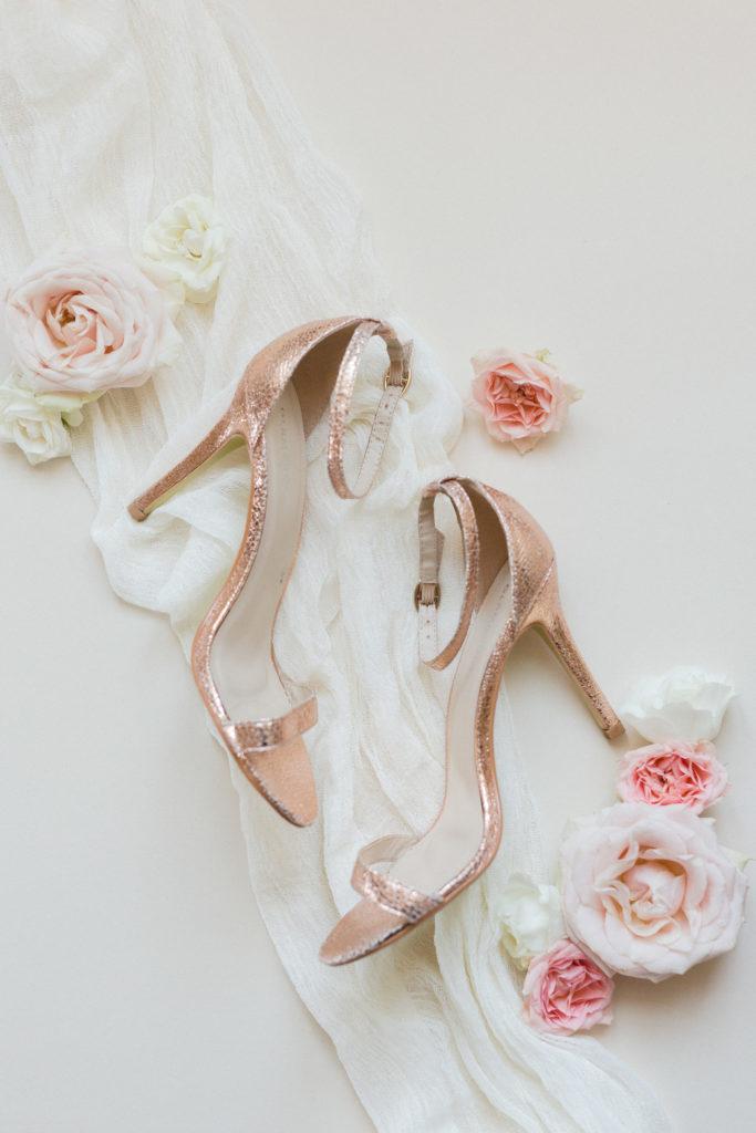 détail chaussure de la mariée