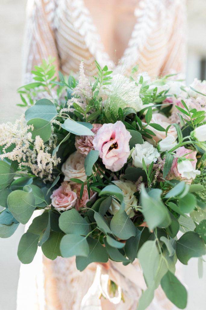 shooting clos du tuilier détail du bouquet de la mariée