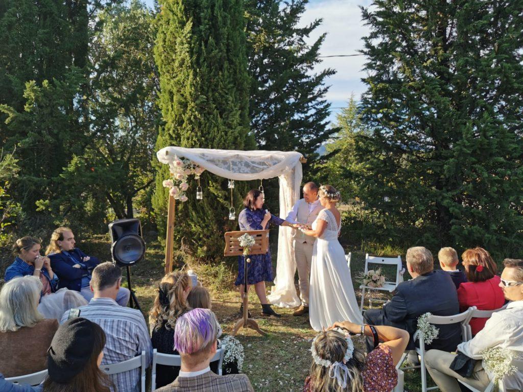 cérémonie laique de Marie et Olivier thème champêtre bohème